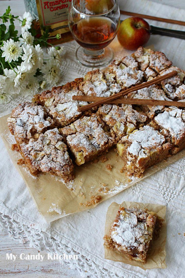 Честит Димитровден с ябълков сладкиш!