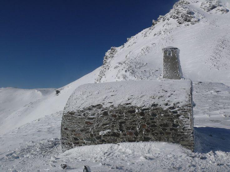 The iced up Refugio de Caballo