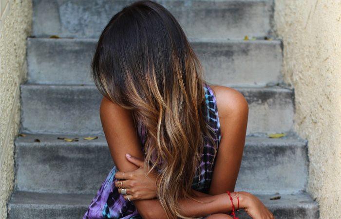 <p>Quando a Bruna fez as mechas no cabelo dela lá no Spa Dios eu simplesmente amei a novidade! Quem tem cabelo preto sabe que a cor é linda mas as vezes faz falta um pouquinho de cor para destacar cachos ou penteados legais. Por isso, a ideia de fazer ombré cai como uma luva e […]</p>