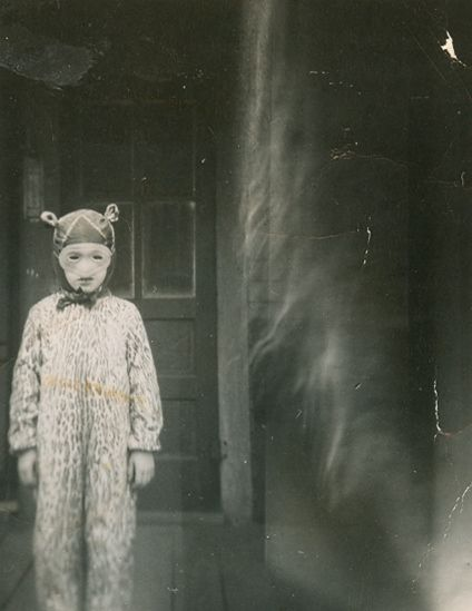 Some of the scariest photos are vintage Halloween.