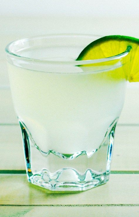Kamikaze Shot: Low Carb & Sugar Free [Recipe] | Ketogasm.com #keto #low #carb #skinny #cocktail #healthy #sugar #free #atkins