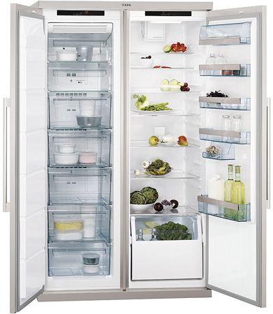 AEG PerfektFit™ Freestanding Fridge Freezer. S95500XNMO