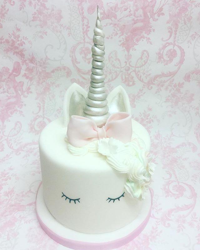 #unicorncake #birthdaygirl #atouchofcamille
