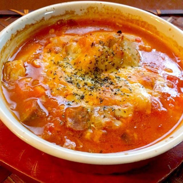 白ワインとお野菜の甘みでとろける豚足(バラもちょいと足しました✌️)スープとうとう息子が豚足の旨さに気付いてしまったΣ(゚艸゚〃) お鍋にたっぷり作って明日の朝もと思ったけど皆でお代わり完食ですあぁ温まって美味しかった - 73件のもぐもぐ - Manitas de cerdo guisadas♨️マニータス・デ・セルド・ギサーダス(豚足煮込み) by Ami