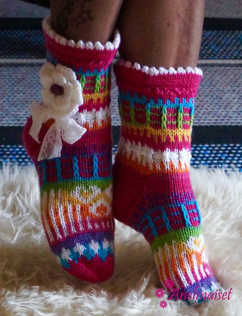 Ravelry: Anelmaiset Pink Ankle Socks pattern by Anelma Kervinen