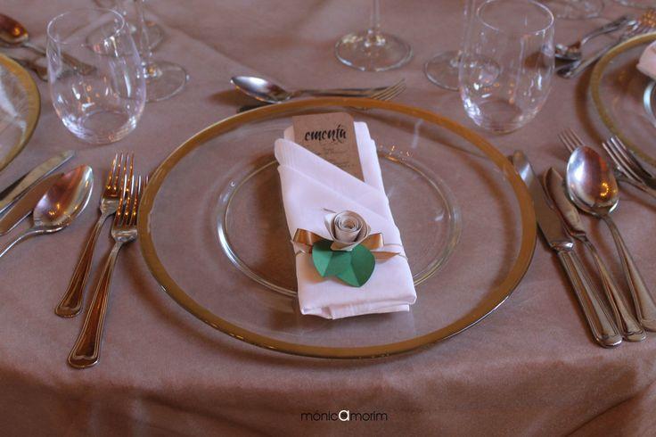 Flor em papel (iman) e ementa