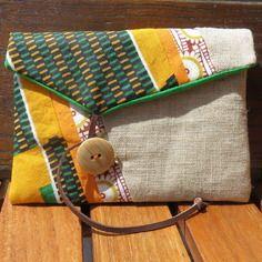 Pochette papier/passeport en toile coton, tissu africain et cuir - forme rond vert jaune