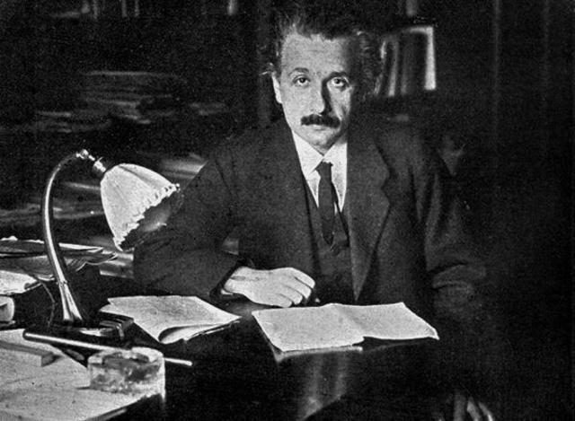 35 grandes frases de Albert Einstein 27