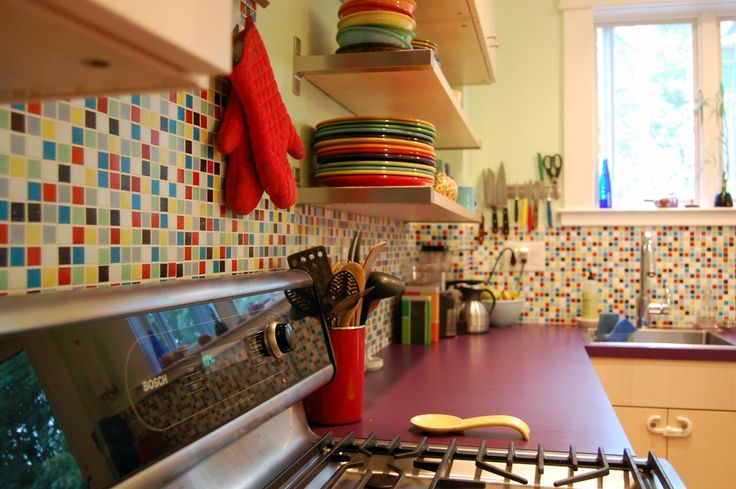 Decorating With Fiestaware Fiestaware With A Fiesta Ish Backsplash Fiestaware Pinterest