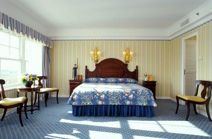 Disney Hotels Newport Bay Club Admirals Floor Suite