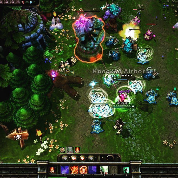 Check the latest #LeagueOfLegends #Reviews on Snoost: http://ift.tt/2wYOBFi  #GameReviews #Gaming #LoL #MOBA #Cloud Gaming #GamingLife