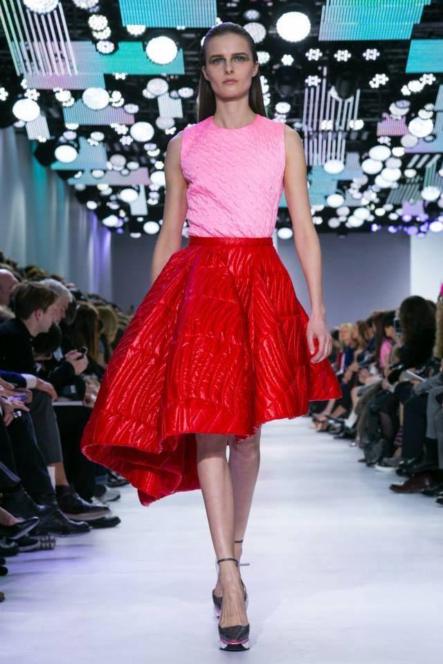 Fasony i rodzaje spódnic- poradnik, czyli jak prawidłowo dobrać spódnicę do sylwetki http://fashionandstyle-emiliawrobel.blogspot.com/2013/01/spodnica-rodzaje-i-fasony.html