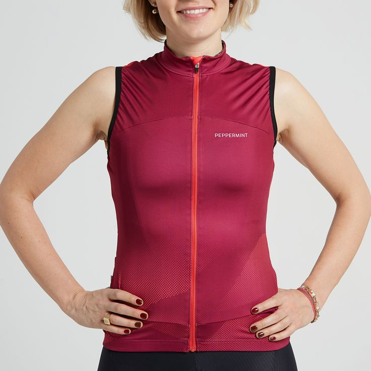 A unique design inspired by all the great mountains we experience while cycling across Canada.--Our model wears a size Small tank topand is 5'6''.Risk free exchanges and returns.Free delivery on orders over $150.00 CAD. See details.--Features-This cycling tank top was created to allow cyclists to enjoy great weather and maintaina good sun tan without compromisingtheir cycling dress code.High quality Canadian and European fabrics. Extremely soft, super lightweight and breathable…