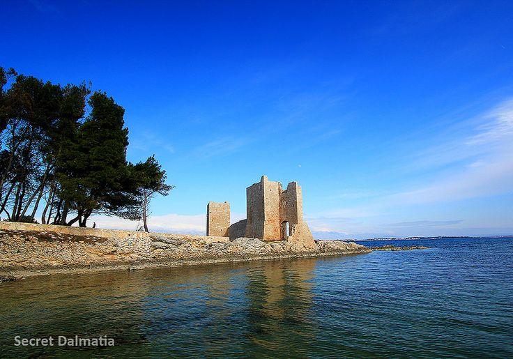 Winter walks on Vir Island - Kastelina fortress