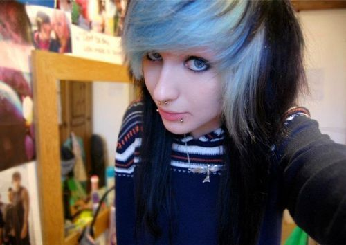 black scene girl hair. Really reminds me of someone..