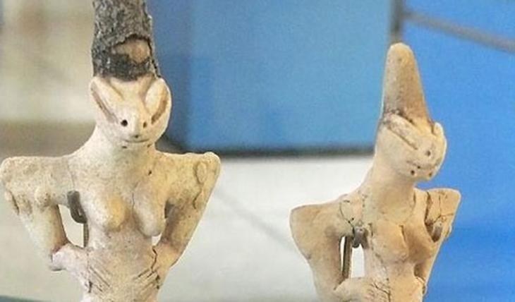 Самые пугающие и странные артефакты мира 5000 лет до нашей эры — вот сколько существуют эти, по-настоящему странные и страшные изображения людей-ящериц.