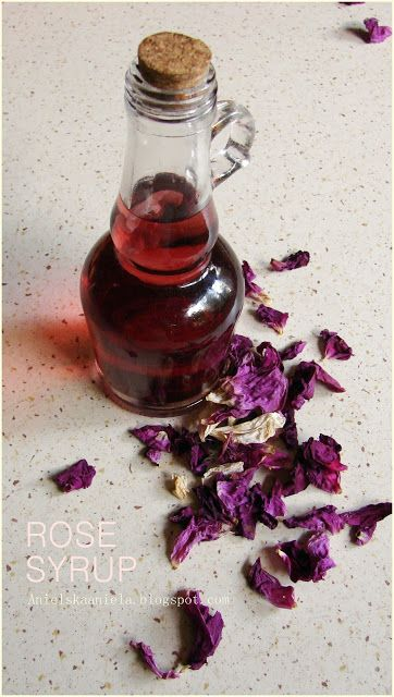 Różany syrop z płatków róż rose syrup..