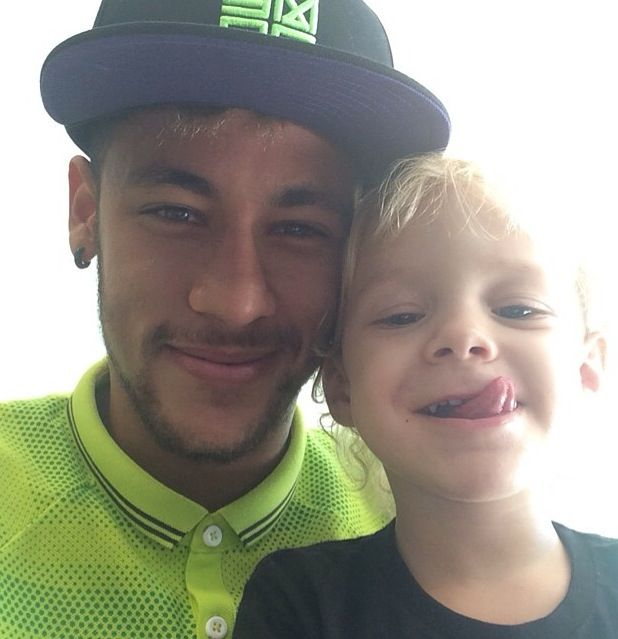 Awe Neymar and his son