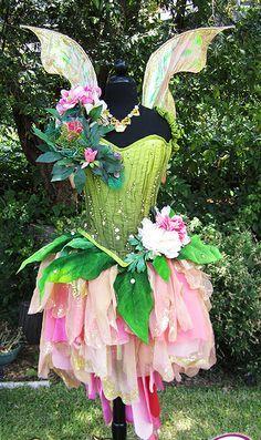 Cute fairy costume for a bridesmaid idea for a fairy neverland inspired wedding feen - Anime selber machen ...