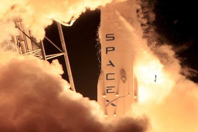 "SpaceX targets launch of communication satellite on Monday  SpaceX targets launch of communication satellite onMonday  SpaceX is targetting the launch of a ""behemoth"" commercial communications satellite on a Falcon 9 rocket from NASA's Kennedy Space Centre on Monday.  SpaceX is targetting the launch of a behemoth commercial communications satellite on a Falcon 9 rocket from NASAs Kennedy Space Centre on Monday. Weighing in at nearly 13500 pounds (6123.4 kgs) atop the rocket the fourth…"
