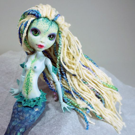 Neptuna Green Custom Mermaid Monster High Repaint/Resculpt (Lagoona Blue base)