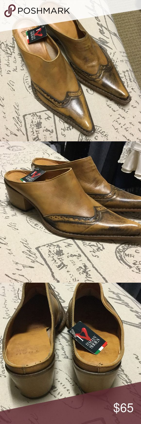 Frau mules Brand-new Frau mules! These have a long toe (giving it a boot look) these are made in Italy. Frau Shoes Mules & Clogs