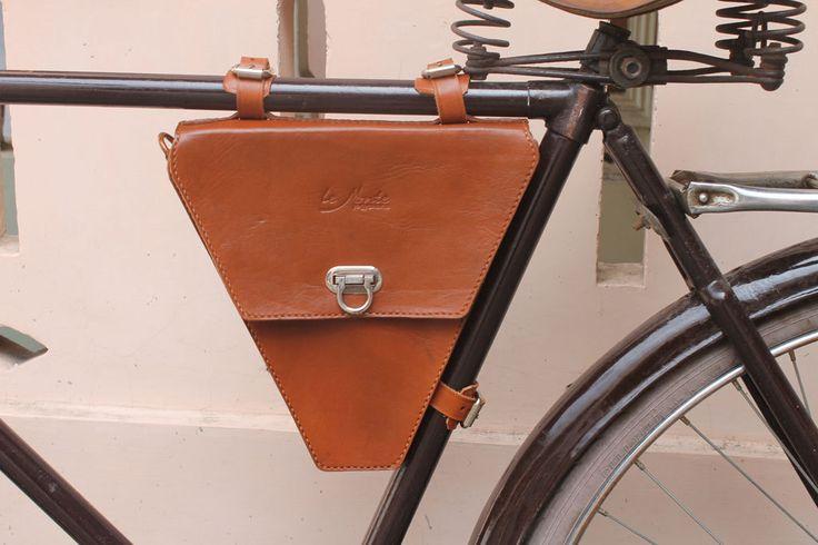 Handmade traditional veg tanned leather bicycle frame bag/ messenger bag honey…