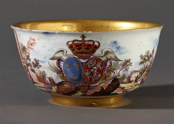 Rinse bowl from tea and chocolate service of Marie Leszczyńska by Meissen manufacture, ca. 1737, Château de Versailles, presented to the Queen of France by Augustus III of Poland