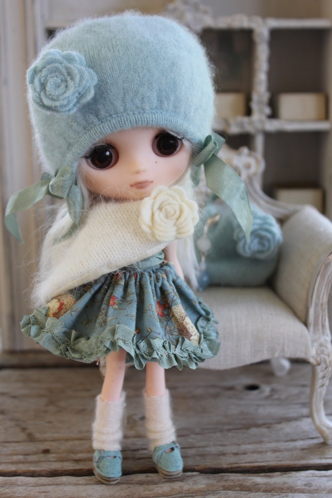 Stylish Middie- by Taylor couture Abi really know how to make a dolly chic~Tru