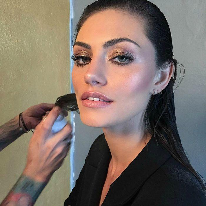 — beautorigine: Behind the scenes with Phoebe Tonkin...