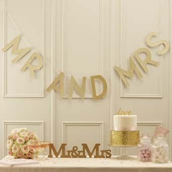 This stunning and eye catching Mr and Mrs bunting is perfect to glitz up any wedding venue.