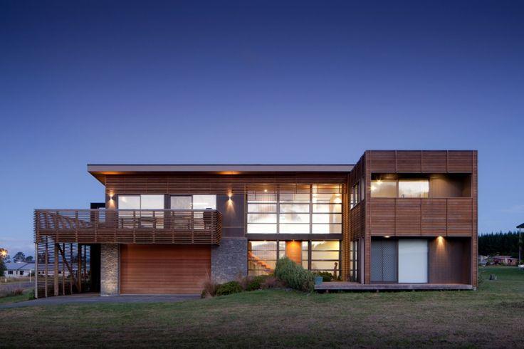 Motuoapa House / Mark Frazerhurst Architect
