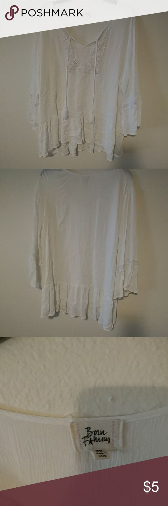 White flowing 2x top Never worn but washed  Juniors 2x top Tops Blouses