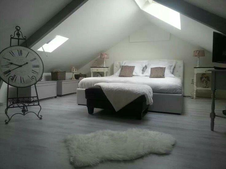 Mooie slaapkamer op zolder