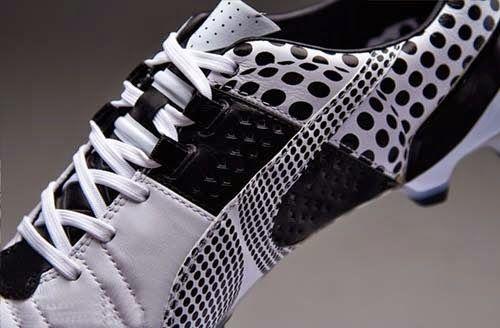 2014 Puma King II CAMO FG with White and Black colors