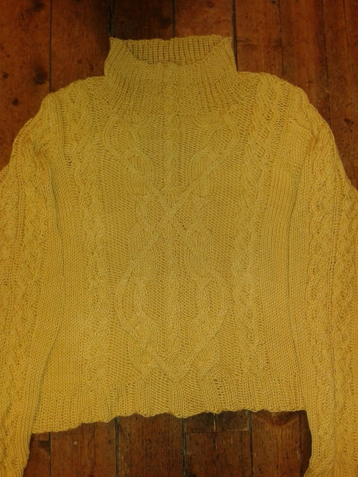 Cable sweater from Bernat to a good friend of mine... :) 2015