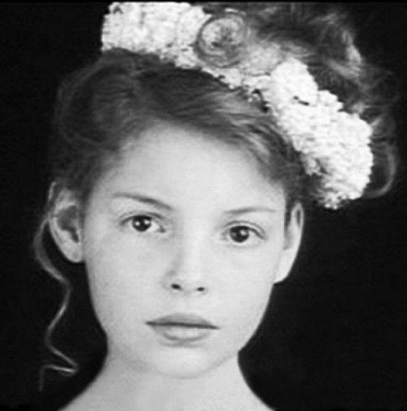 literally looks the same. young Katherine Heigl