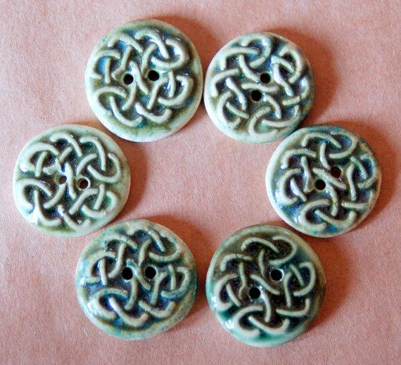 6 Handmade Stoneware Buttons  Celtic Knot Buttons by beadfreaky, $12.00Knots Buttons, Stoneware Celtic, Knits Addict, Celtic Knots, Buttons Celtic, En Kralen, Handmade Stoneware, Stoneware Buttons, Knots Knits