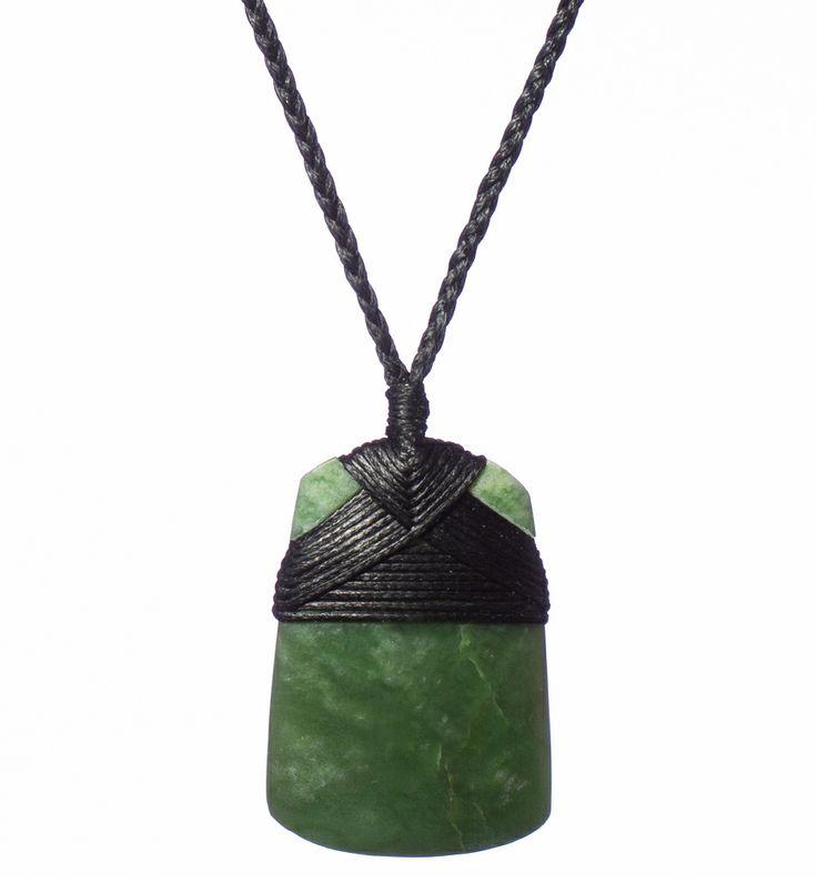 NZ Hokitika Pounamu Toki/Adze Necklace : Mountain Jade New Zealand