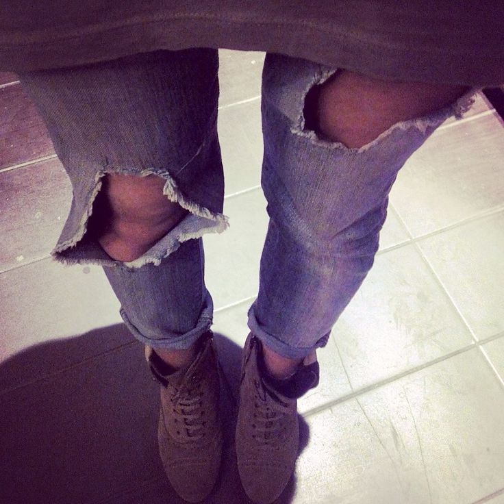 ripped jeans. Diy!