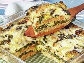 Brokolice zapečená se špenátem, vejci, chlebem a sýrem.