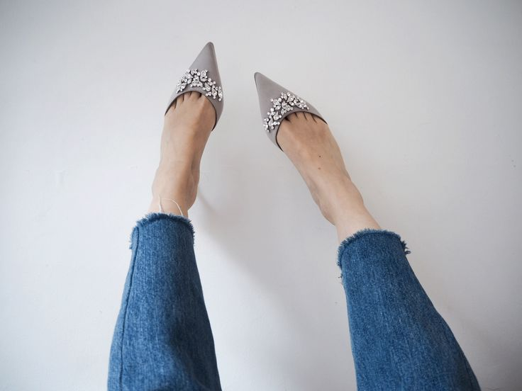 New blog post about my silver satin new Manolo Blahnik shoes i got on sale. I'm gonna love them forever and ever