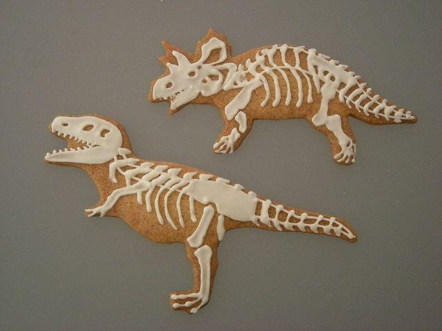 Dinosaur cookies by Cbonbon cookie, via Flickr