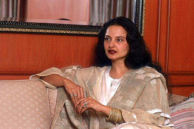 http://media2.intoday.in/indiatoday/images/Photo_gallery/rekha-9_101013055432.jpg
