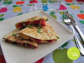 Mijn mixed kitchen: Quesadilla met salami, bosui, puntpaprika en kaas (foodblogswap)