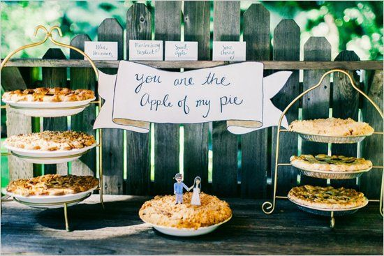 Mmm, pie. We can't help but love all the delicious fillings enclosed by flaky crust -  and we couldn't help but notice that brides and grooms have been sharin
