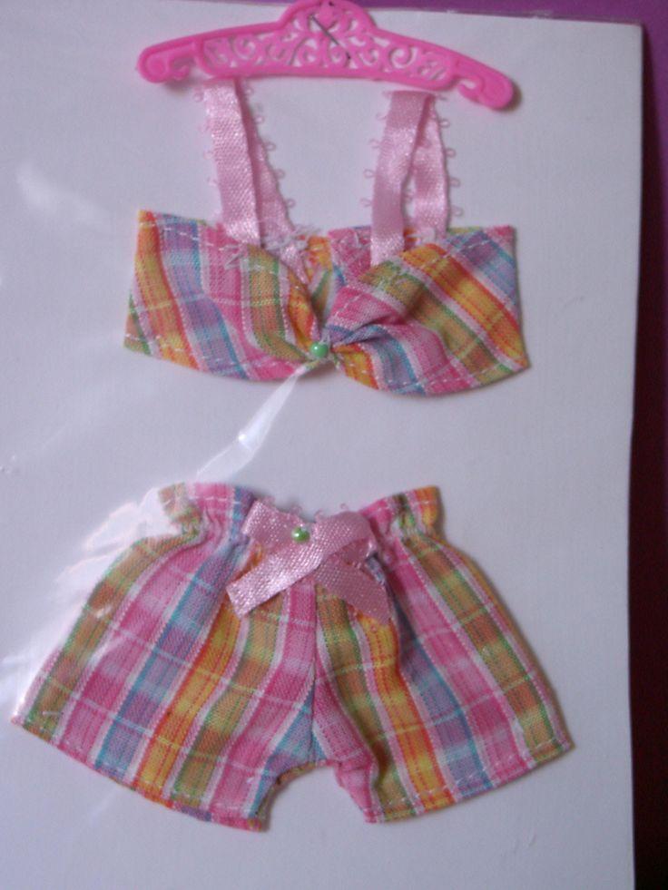 Petite lingerie : collection 2001