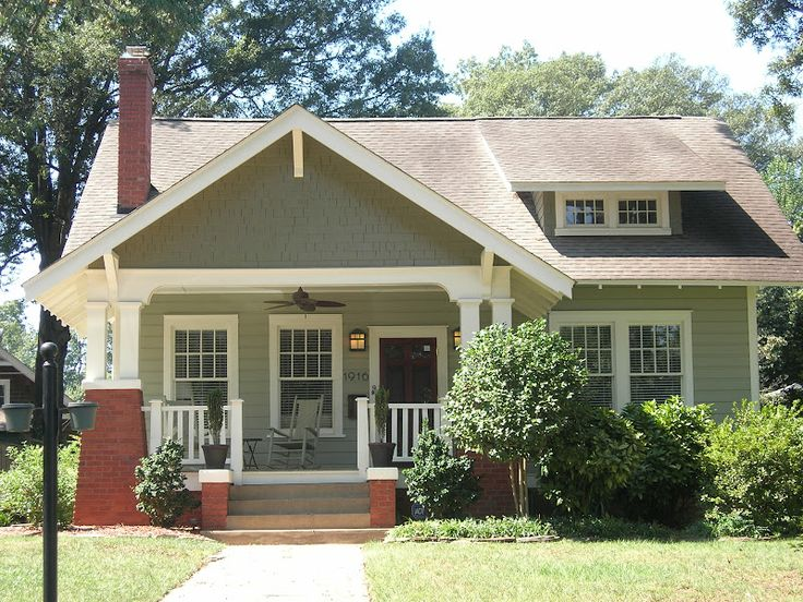 Best 25 cottages and bungalows ideas on pinterest for Craftsman exterior color schemes