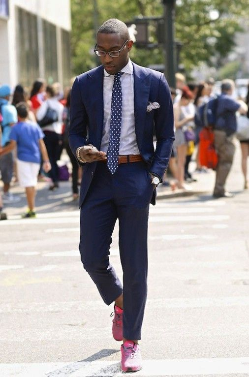 One of our style icons, Tine Tempah, effortlessly rocks trainers with a well fitted suits. Not many can pull of trainers with smart outfits but the Rapper certainly can.