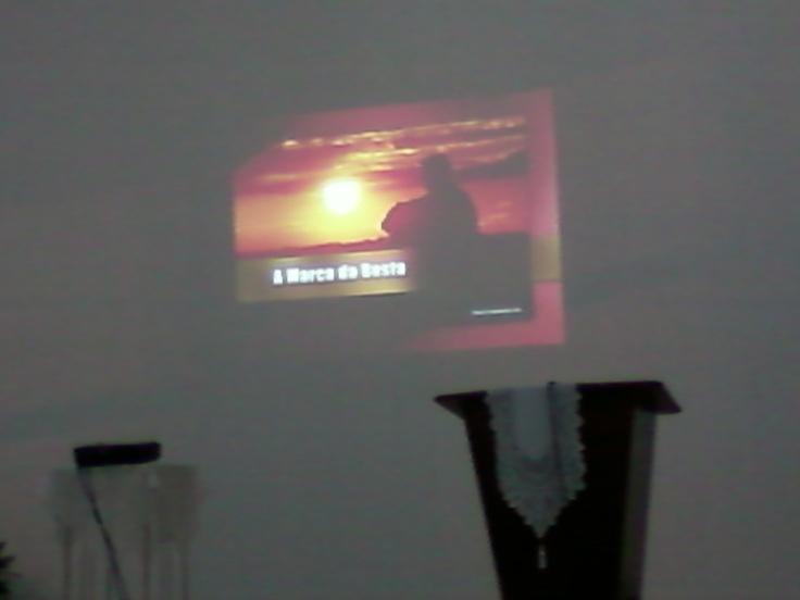 Hino apresentado na noite de vigília onde passamos a noite com Pastor Fabio Lazaro e Dilermano da ASPA. Em 18/06/2013.